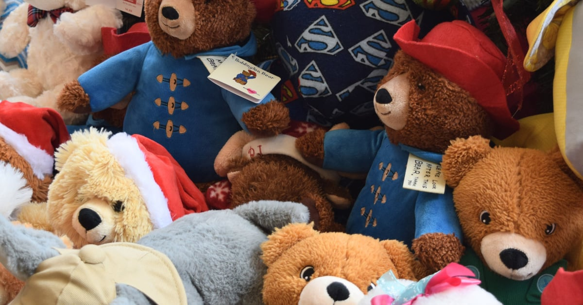FLMC Hosts Tree Lighting and Teddy Bear Drive